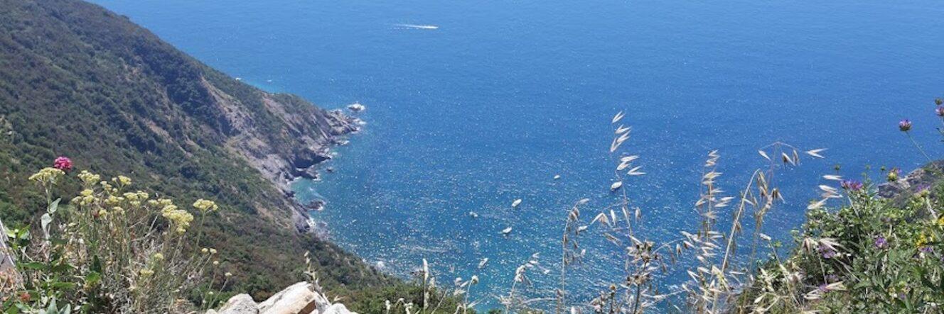 Trekking nell'Alta via delle Cinque Terre
